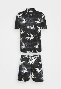 Nominal - DECEND TWIN SET - Shorts - black - 5