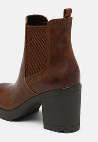 Marco Tozzi - Ankle boots - cognac antic - 5