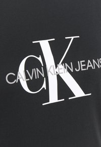 Calvin Klein Jeans Plus - MONOGRAM LOGO REG FIT TEE - Print T-shirt - black - 4