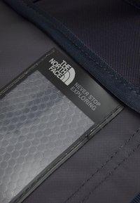 The North Face - BASE CAMP DUFFEL IC - Sportovní taška - dark blue/white - 3
