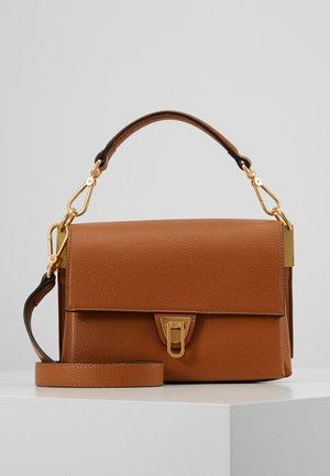 MARVIN DESIR TRIP COMP SATCHEL - Handbag - caramel