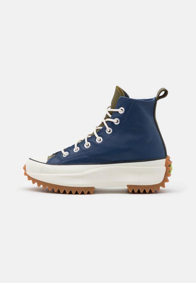 RUN STAR HIKE - Zapatillas altas - navy/dark moss/egret