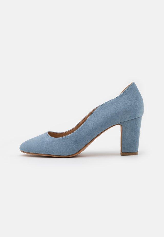 Decolleté - light blue