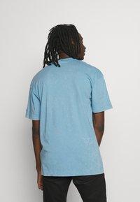 Nike Sportswear - Print T-shirt - light blue - 2