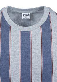 Urban Classics - T-shirt z nadrukiem - vintageblue - 7