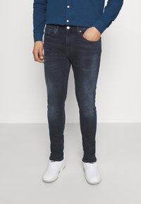 Tommy Jeans - AUSTIN SLIM TAPERED - Jeans Skinny Fit - denim - 0