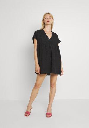 Dienas kleita - black