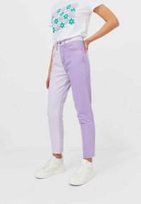 Stradivarius - Relaxed fit jeans - mauve - 1