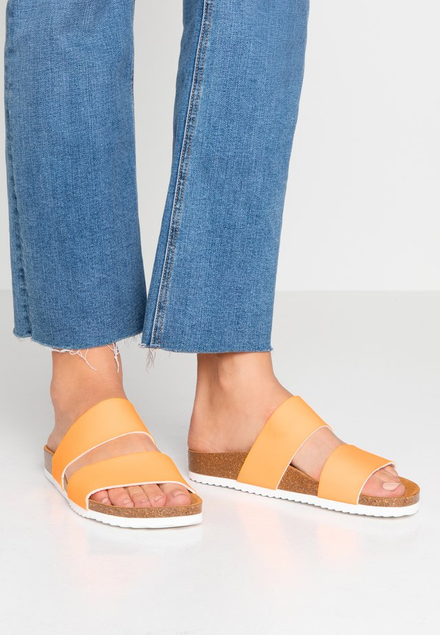 OSLO - Slippers - orange fluro