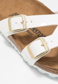 Birkenstock - YAO - Pantuflas - white - 2