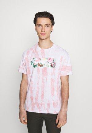 DAYBREAK WASHED TEE - Printtipaita - pink