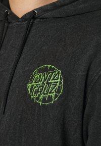 Santa Cruz - EXCLUSIVE TOXIC DOT HOODIE UNISEX - Sweatshirt - black - 4