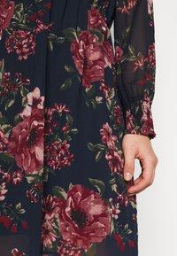 Vero Moda Curve - VMNEWSUNILLA SMOCK DRESS  - Day dress - navy blazer/newsunilla - 6