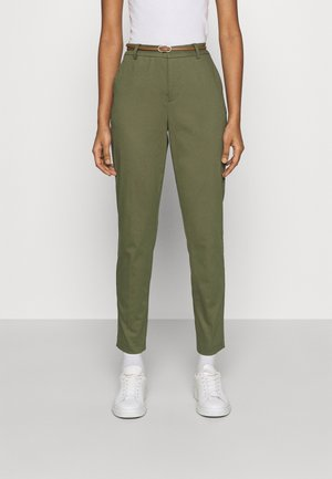 DAYS CIGARET PANTS  - Pantalones chinos - olive night