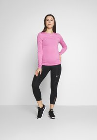 Nike Performance - CROP - Leggings - black
