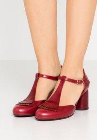 Chie Mihara - MOLE - Classic heels - granate - 0