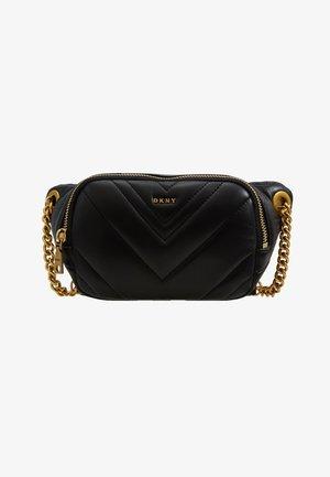 VIVIAN BELT BAG - Rumpetaske - black/gold-coloured