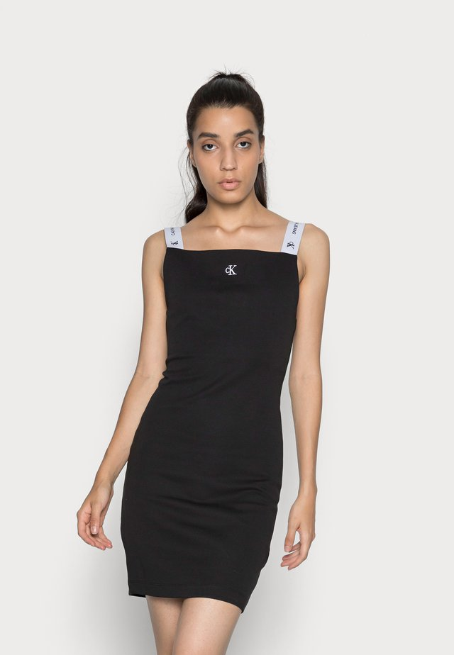 STRAP SQUARE NECK DRESS - Pouzdrové šaty - black