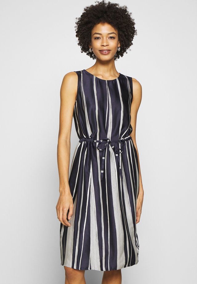 DRESS MIDI STYLE PRINTED - Korte jurk - multi/dark blue