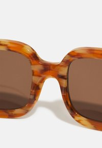 Burberry - Aurinkolasit - brown - 4