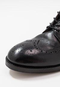 Hudson London - SHERWOOD - Lace-up ankle boots - black - 5