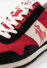 Polo Ralph Lauren - TRAIN 90 - Sneakers - black/red - 5