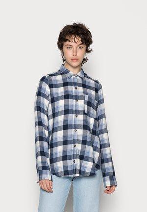 BOYFRIEND - Button-down blouse - white/navy