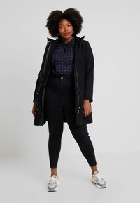New Look Curves - HALLIE DISCO - Jeans Skinny Fit - washed black