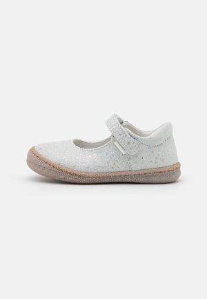 Ankle strap ballet pumps - perla