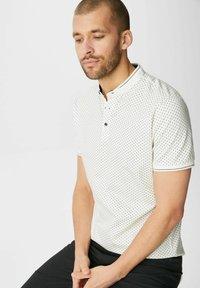 C&A Premium - Print T-shirt - off-white - 2