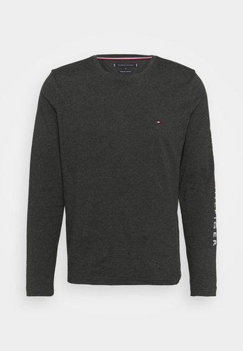 LOGO LONG SLEEVE TEE - Long sleeved top - dark grey heather