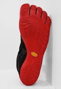 Vibram Fivefingers - KSO EVO - Obuwie do biegania neutralne - black/red - 4