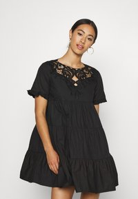Missguided - POPLIN CROCHET SMOCK DRESS - Cocktailkjole - black - 0