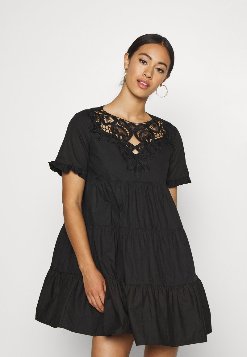 Missguided - POPLIN CROCHET SMOCK DRESS - Cocktailkjole - black