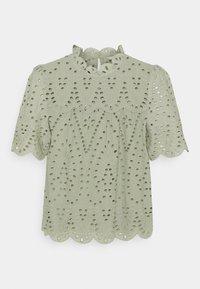 ONLY - ONLNYLA LIFE ANGLAISE - Print T-shirt - desert sage - 0
