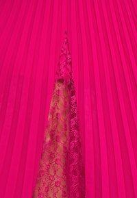 Guess - LUISA SKIRT - Pleated skirt - shocking pink - 5