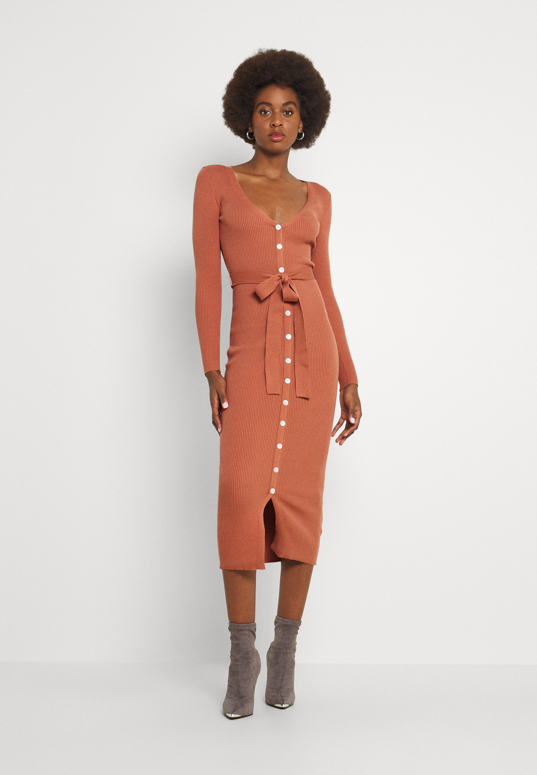 Women SKINNY FIT LONG SLEEVE MIDI DRESS WITH V NECK AND WAIST - Jumper dress