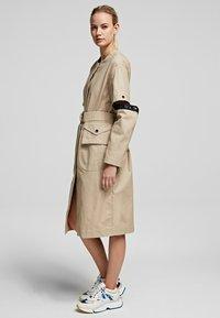 KARL LAGERFELD - Day dress - sandstone - 3