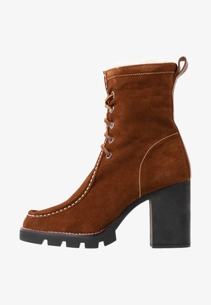 SCHULYER BOOTS CASUAL - High heeled ankle boots - natural/snuff
