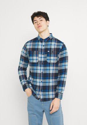 BARDWELL - Shirt - tourmaline blue