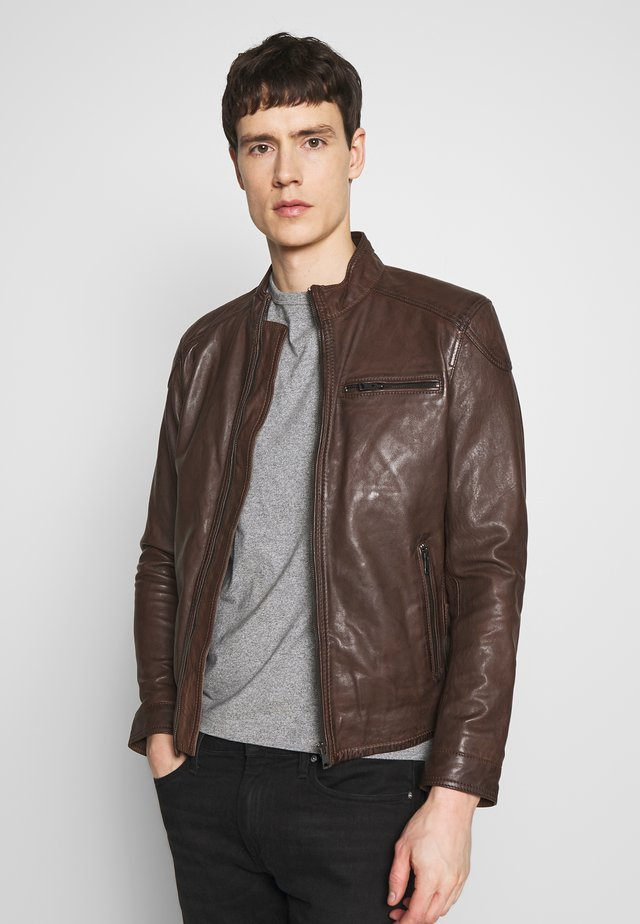 CHIC - Leather jacket - mocca