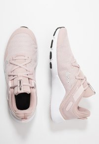 Nike Performance - LEGEND ESSENTIAL - Kuntoilukengät - stone mauve/white/barely rose - 1