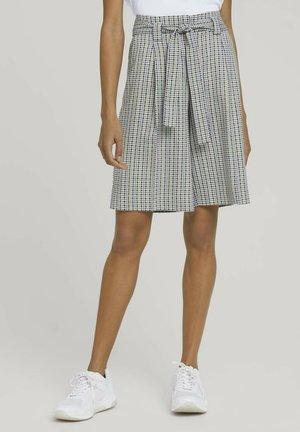 Shorts - yellow check