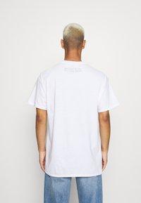 Vintage Supply - SEX PISTOLS GRAPHIC TEE - Print T-shirt - white - 2