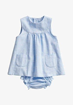 MET BROEKJE - Robe d'été - hemelsblauw