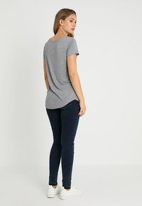 GAP - LUXE - Basic T-shirt - light heather grey - 2