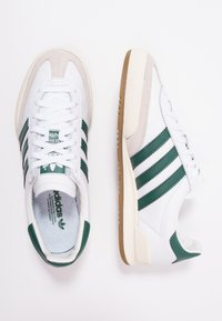 adidas Originals - JEANS - Trainers - footwear white/collegiate green/core brown - 1