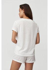 O'Neill - Basic T-shirt - powder white - 1