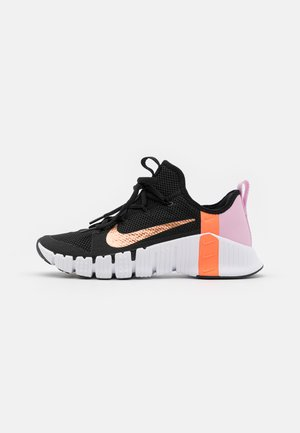 FREE METCON 3 - Sports shoes - black/metallic copper/light arctic pink/hyper crimson
