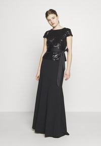 Lauren Ralph Lauren - LUXE TECH LONG GOWN COMBO - Robe de cocktail - black - 0